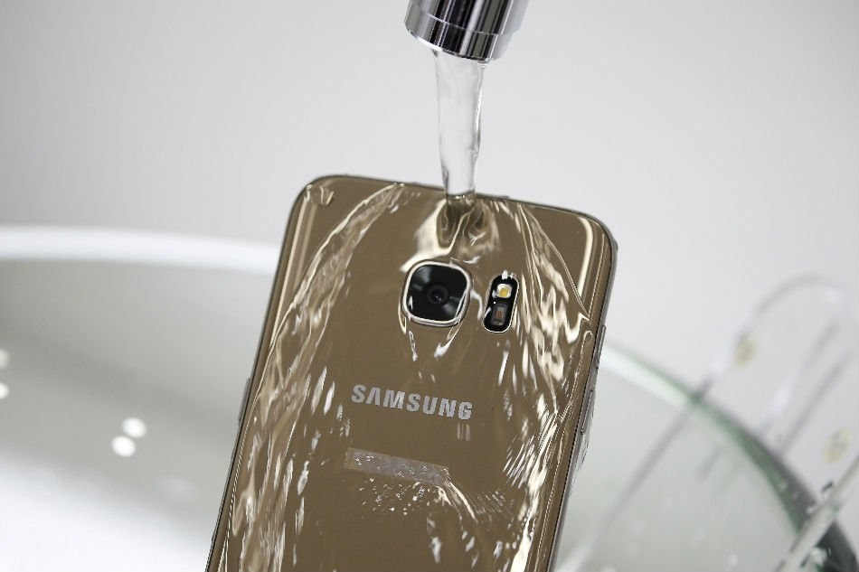 Not-So-Waterproof Samsung Phones — Consumer Class Lawyers
